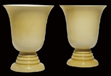 A PAIR OF MURANO OPAQUE GLASS