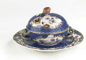 A Meissen two-handled covered