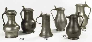 A DUTCH LIDDED PEWTER FLAGON A