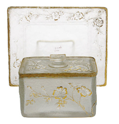 A FRENCH GILT CAMEO GLASS BOX,