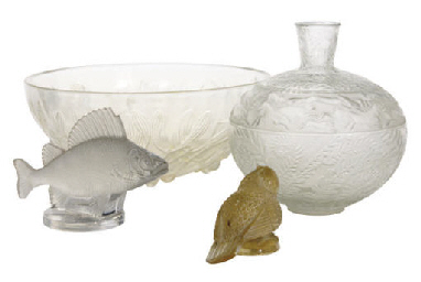 A FRENCH GLASS BOWL, A VASE, A