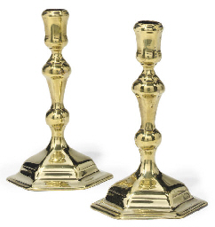 A PAIR OF GEORGE I BRASS CANDL