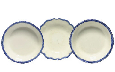 THREE BLUE AND WHITE PEARLWARE