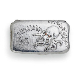 A SILVER AND MIXED-METAL SNUFF