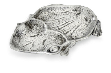 A SILVER ANIMAL-FORM DISH