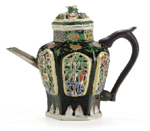 A FAMILLE NOIRE TEAPOT AND COV