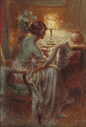 Reflections under lamp light