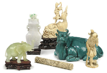 A GROUP OF SIX CHINESE IVORY,