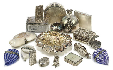 A QUANTITY OF SILVER, GLASS AN
