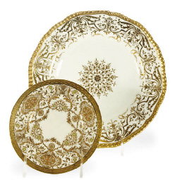 AN ENGLISH PORCELAIN AND GILT