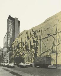 The Museum of Modern Art, Wrap