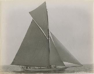 Columbia with Shamrock, 1899;