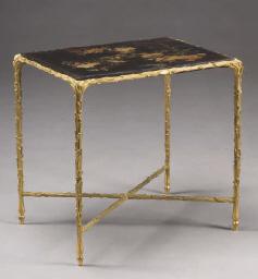 TABLE BOUT DE CANAPE DES ANNEE