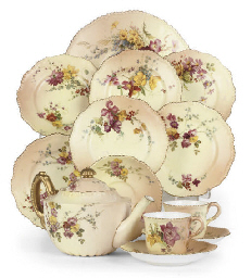 A ROYAL WORCESTER BLUSH-IVORY-