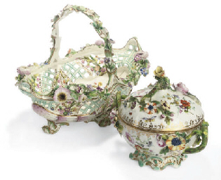 AN ENGLISH PORCELAIN COOLBROOK