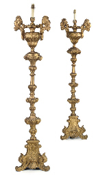 A PAIR OF ITALIAN GILT-WOOD FL