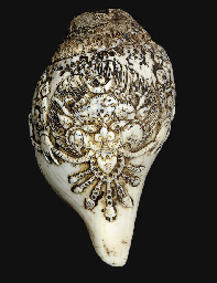 A Conch shell carved with kirt