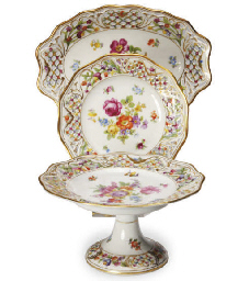 AN ASSEMBELED GERMAN PORCELAIN