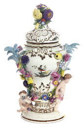 A GERMAN POTPOURRI VASE AND A