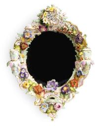 A MEISSEN STYLE FLOWER-ENCRUST