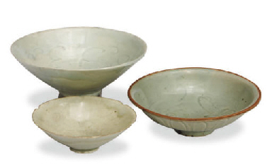 TWO CHINESE QINGBAI BOWLS,