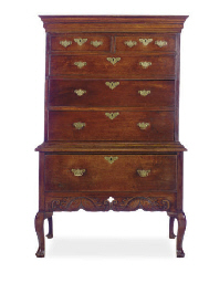 AN IRISH GEORGE II OAK CHEST-O