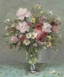 Roses et anémones au verre de