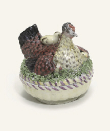 A GERA CIRCULAR HEN AND CHICKE