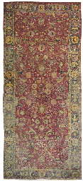 AN ISFAHAN CARPET