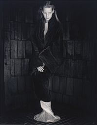 Kirsten Owen, Romeo Gigli Dres