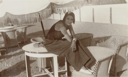Renée Perle, Juan les Pins, 19