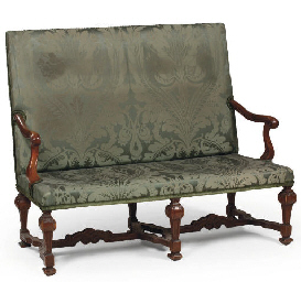 AN AUSTRIAN WALNUT SETTEE