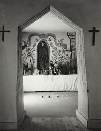 Interior, Penitente Morada, Ne