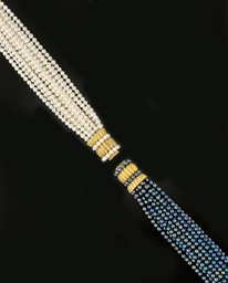 A pair of cultured pearl brace