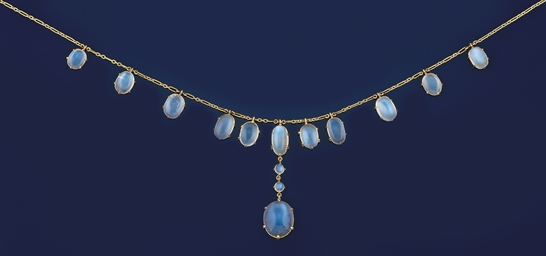 AN EDWARDIAN MOONSTONE NECKLAC