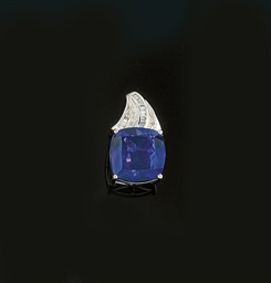A tanzanite and diamond pendan
