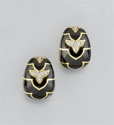 A PAIR OF DIAMOND AND ENAMEL E