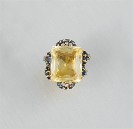 A YELLOW SAPPHIRE, DIAMOND AND