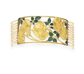 AN ART NOUVEAU ENAMEL, GOLD AN