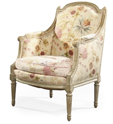 A LOUIS XVI WHITE-PAINTED BERG