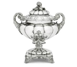 A GEORGE IV SILVER TEA-URN