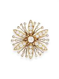 AN ANTIQUE DIAMOND FLOWER BROO