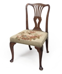 A GEORGE II WALNUT SIDE CHAIR