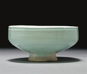 A TRANSPARENT GLAZED BOWL, IRA