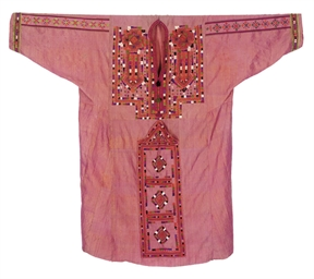 A WOMAN'S DRESS OF SHOT SILK,