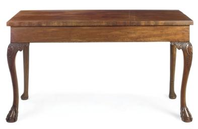 A VICTORIAN MAHOGANY PIER TABL