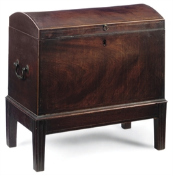 A REGENCY MAHOGANY CELLARET ON