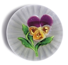 A FRENCH PANSY PAPERWEIGHT