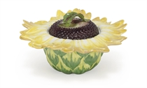 A CHELSEA SUNFLOWER TUREEN AND COVER