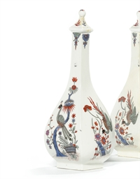 A PAIR OF MEISSEN KAKIEMON SAK